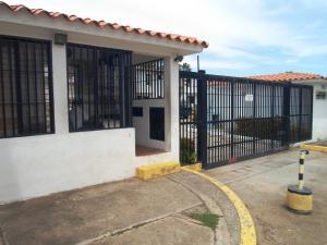 Townhouse En Ventaen Margarita, Maneiro, Venezuela, VE RAH: 18-11571