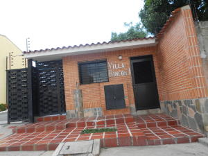 Townhouse En Ventaen Municipio Naguanagua, El Rincon, Venezuela, VE RAH: 18-11414