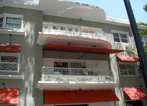 Local Comercial En Ventaen Caracas, Las Mercedes, Venezuela, VE RAH: 18-11621