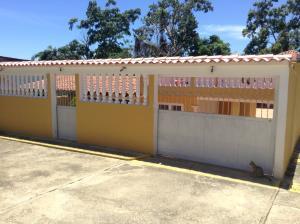 Casa En Ventaen Higuerote, Higuerote, Venezuela, VE RAH: 18-11639