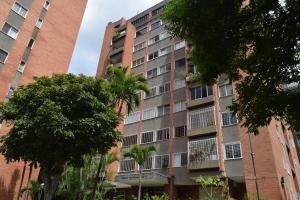 Apartamento En Ventaen Caracas, Los Palos Grandes, Venezuela, VE RAH: 18-11740