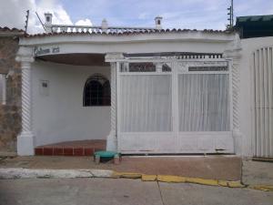 Casa En Ventaen Cua, Las Brisas, Venezuela, VE RAH: 18-11788