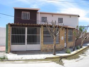 Casa En Ventaen Cagua, La Ciudadela, Venezuela, VE RAH: 18-11812