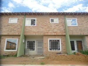 Townhouse En Ventaen La Morita, Karol Home Ii, Venezuela, VE RAH: 18-11824