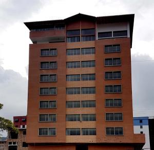 Apartamento En Ventaen Merida, Avenida Las Americas, Venezuela, VE RAH: 18-9024