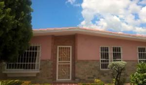 Casa En Ventaen Valencia, Trigal Norte, Venezuela, VE RAH: 18-11870