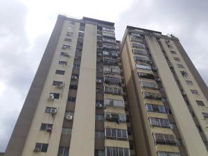 Apartamento En Ventaen Valencia, Valles De Camoruco, Venezuela, VE RAH: 18-11881