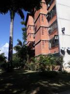 Apartamento En Ventaen Guarenas, Nueva Casarapa, Venezuela, VE RAH: 18-11884
