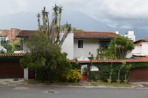 Casa En Ventaen Caracas, Santa Fe Norte, Venezuela, VE RAH: 18-11901