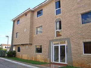 Apartamento En Ventaen El Tigre, Sector Avenida Jesus Subero, Venezuela, VE RAH: 18-11908