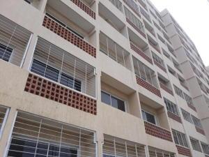 Apartamento En Ventaen Maracaibo, Avenida El Milagro, Venezuela, VE RAH: 18-11926