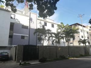 Apartamento En Ventaen Caracas, Los Naranjos De Las Mercedes, Venezuela, VE RAH: 18-12046