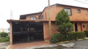 Casa En Ventaen Guatire, Guatire, Venezuela, VE RAH: 18-12054