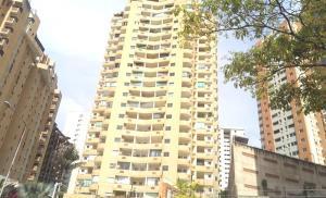 Apartamento En Ventaen Valencia, Las Chimeneas, Venezuela, VE RAH: 18-12110