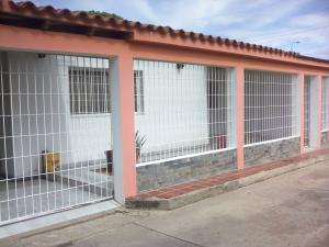 Casa En Ventaen Coro, Av Pinto Salinas, Venezuela, VE RAH: 18-12121