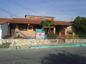 Local Comercial En Ventaen Yaritagua, Municipio Peña, Venezuela, VE RAH: 18-12130