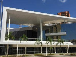 Local Comercial En Alquileren Maracaibo, 5 De Julio, Venezuela, VE RAH: 18-12165