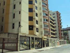 Apartamento En Ventaen Maracay, San Isidro, Venezuela, VE RAH: 18-12189