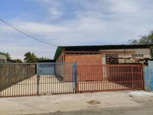 Galpon - Deposito En Alquileren Maracaibo, Avenida Milagro Norte, Venezuela, VE RAH: 18-12193