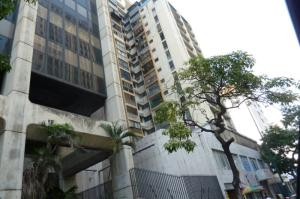 Local Comercial En Ventaen Caracas, Parroquia La Candelaria, Venezuela, VE RAH: 18-12235