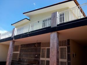 Casa En Ventaen Valencia, Trigal Norte, Venezuela, VE RAH: 18-12548