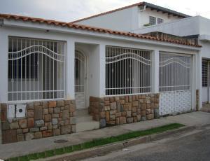 Casa En Ventaen Turmero, Los Overos, Venezuela, VE RAH: 18-12312