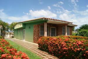 Casa En Ventaen Rio Chico, Las Mercedes De Paparo, Venezuela, VE RAH: 18-12338