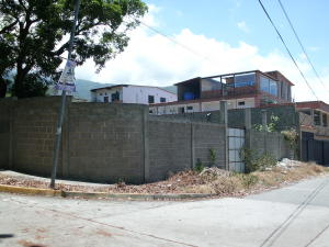 Terreno En Ventaen Parroquia Caraballeda, Los Corales, Venezuela, VE RAH: 18-13553