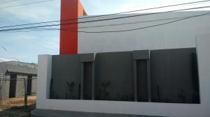 Townhouse En Ventaen Ciudad Ojeda, La Tropicana, Venezuela, VE RAH: 18-6621