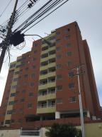 Apartamento En Ventaen Lecheria, El Morro I, Venezuela, VE RAH: 18-12555