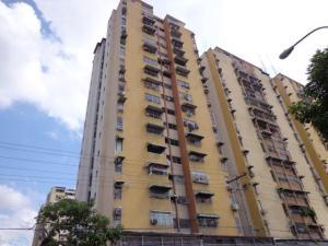 Apartamento En Ventaen Maracay, Urbanizacion El Centro, Venezuela, VE RAH: 18-12575