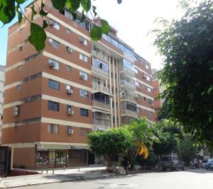 Apartamento En Ventaen Valencia, Trigal Centro, Venezuela, VE RAH: 18-12576
