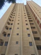 Apartamento En Ventaen Maracaibo, Avenida Bella Vista, Venezuela, VE RAH: 18-12803