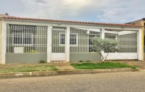 Casa En Alquileren El Tigre, Pueblo Nuevo Sur, Venezuela, VE RAH: 18-12639
