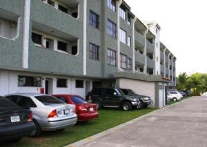 Apartamento En Ventaen Higuerote, Agua Sal, Venezuela, VE RAH: 18-12653