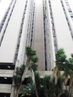 Apartamento En Ventaen San Antonio De Los Altos, Los Salias, Venezuela, VE RAH: 18-12665