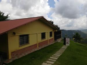 Casa En Ventaen Caracas, Oripoto, Venezuela, VE RAH: 18-12744