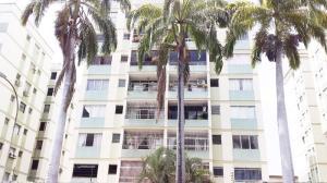 Apartamento En Ventaen Valencia, Camoruco, Venezuela, VE RAH: 18-12772