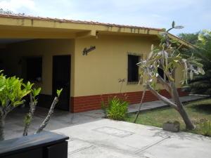 Casa En Ventaen Rio Chico, San Jose, Venezuela, VE RAH: 18-12839