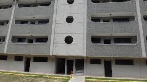 Apartamento En Ventaen Higuerote, Agua Sal, Venezuela, VE RAH: 18-12847