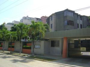 Apartamento En Ventaen Higuerote, Agua Sal, Venezuela, VE RAH: 18-12858