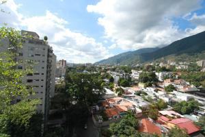 Apartamento En Ventaen Caracas, Los Palos Grandes, Venezuela, VE RAH: 18-12868