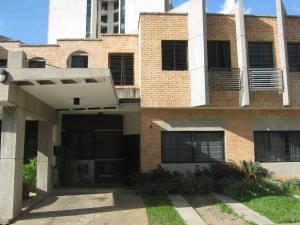 Townhouse En Ventaen Valencia, Los Mangos, Venezuela, VE RAH: 18-12925