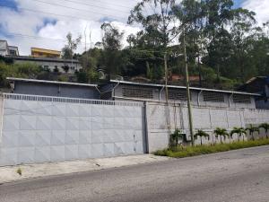 Galpon - Deposito En Alquileren Caracas, Mariche, Venezuela, VE RAH: 18-12899