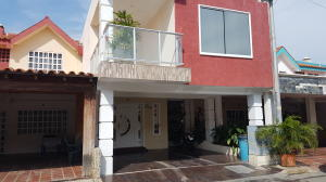Townhouse En Ventaen Cabimas, Casco Central, Venezuela, VE RAH: 18-12951