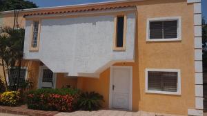 Townhouse En Ventaen Cabimas, Nueva Delicias, Venezuela, VE RAH: 19-435