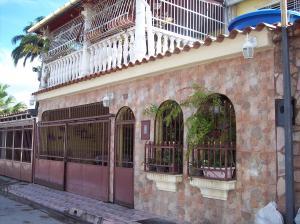Casa En Ventaen Turmero, La Fuente, Venezuela, VE RAH: 18-13063