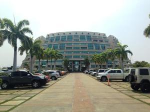 Apartamento En Ventaen Lecheria, Complejo Turistico El Morro, Venezuela, VE RAH: 18-13074