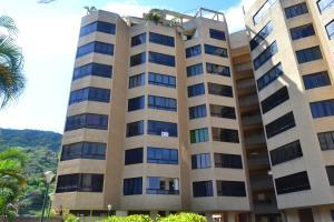 Apartamento En Ventaen Parroquia Naiguata, Camuri Grande, Venezuela, VE RAH: 18-13161