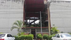 Apartamento En Ventaen Guatire, El Marques, Venezuela, VE RAH: 18-13211